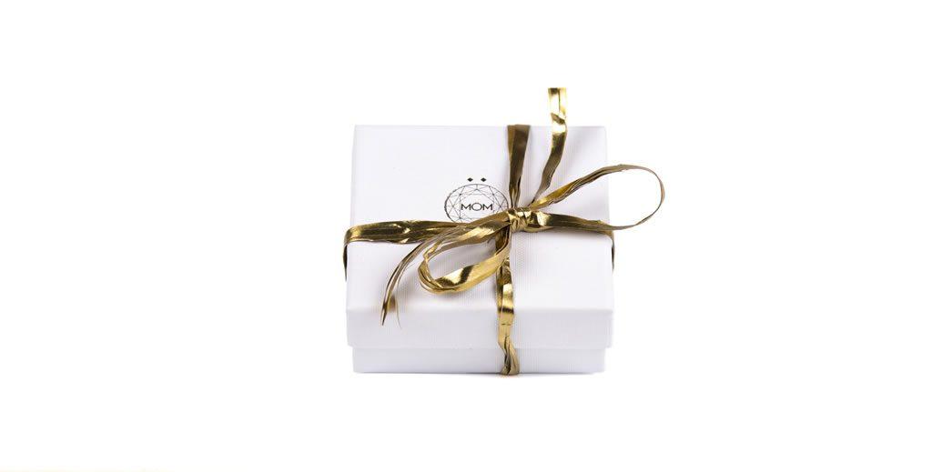 Caja para pendientes y relojes de plata y oro