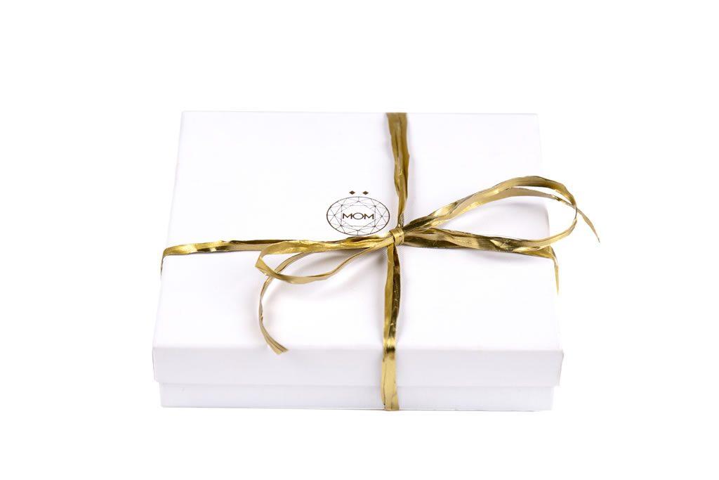 Caja para colgantes de plata y oro